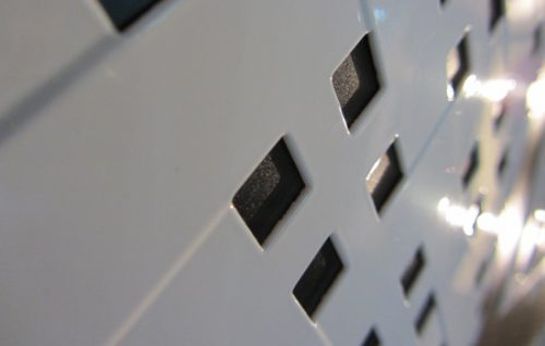 fotografia de chapas perforadas